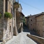 Alleyway. Spello. Umbria. — Stock Photo #4326927