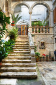 De Ritiis Court. Giovinazzo. Apulia. — Stock Photo