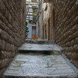 Alleyway. Bisceglie. Apulia. — Stock Photo