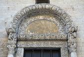 Lion Portal. St. Nicholas Basilica. Bari. Apulia. — Stock Photo