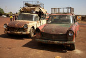Old taxi in Mali — Stock Photo