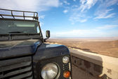 The car and the desert — Stock Photo