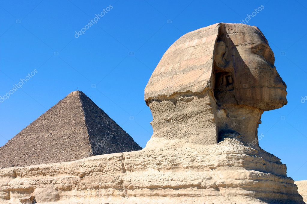 The Sphinx and Pyramid at Giza ,Egypt  — Stock Photo #5200190