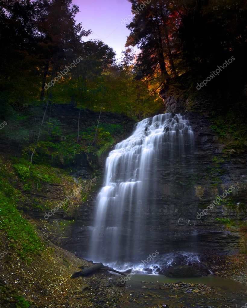 Dawn breaking over Tiffany Falls in Ancaster, Ontario — Stock Photo #4013879