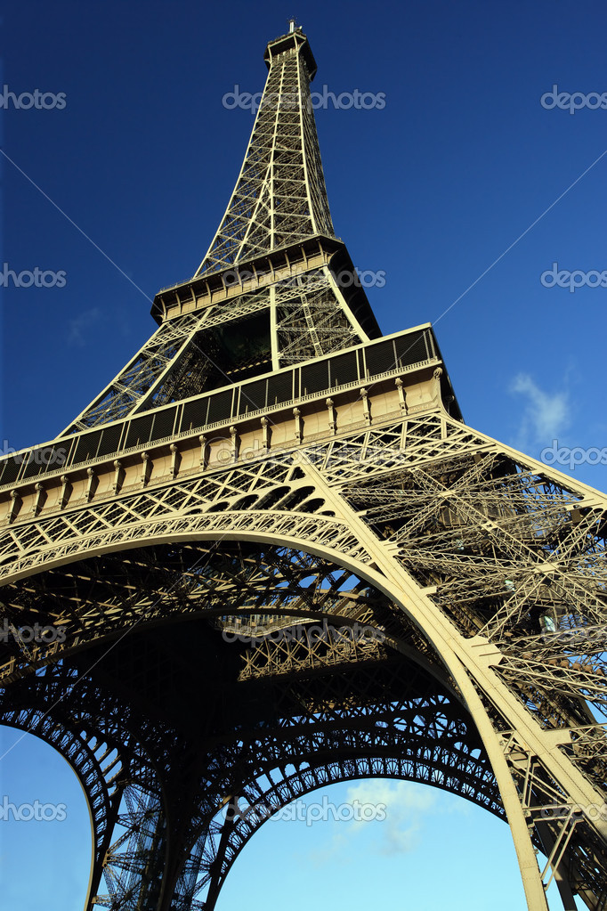 The Eiffel Tower in Paris, France. — Stock Photo #5204340