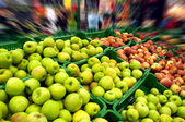 Apples at market — Stock fotografie