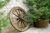 Retro wooden wheel — Stock Photo