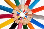 ομάδα μολύβια χρώματος στο λευκό — Φωτογραφία Αρχείου