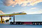 White lorry is at a fuel station — Stock Photo