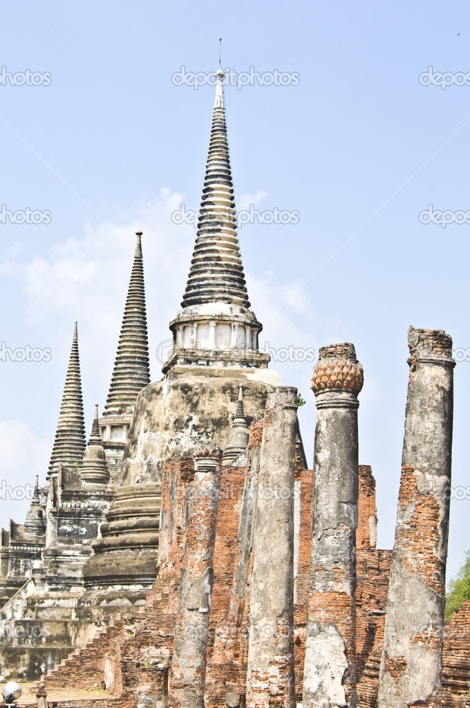 Part of the Wat Si Sanphet in Ayutthaya — Stock Photo #5282032