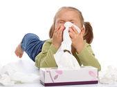 小女孩吹她的鼻子 — 图库照片