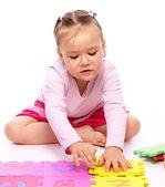 Kleines mädchen mit alphabet — Stockfoto