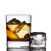 Drink on the rocks — Stock Photo