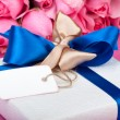 Romantic valentine present with note — Stock Photo