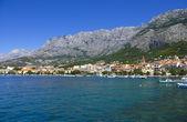 Visa från havet till vallen makarska, kroatien — Stockfoto