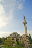 Large mosque in Istanbul — Stock Photo
