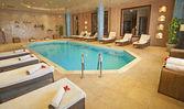 Zwembad in een kuuroord — Stockfoto