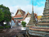 Thai temple in Bangkok — Stock Photo