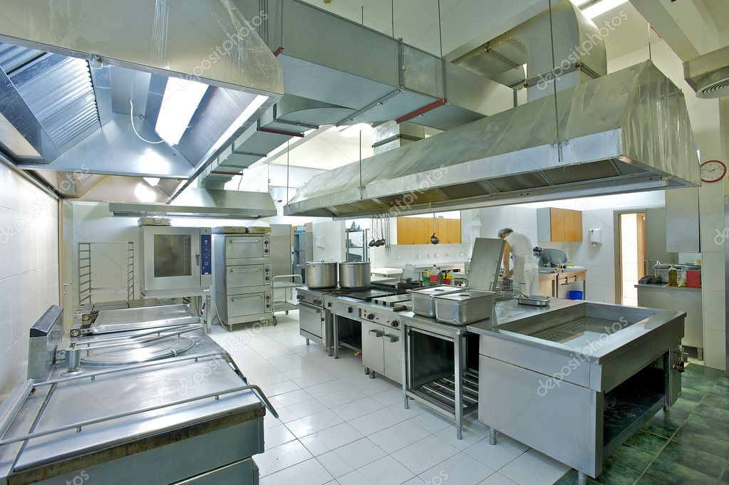 Overview of a professional kitchen with all the materials — 图库照片 #4022612