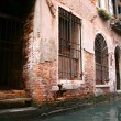 Venice, door to street — Stockfoto #4101993