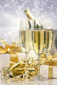 Champagne celebration for the new year — Stock Photo