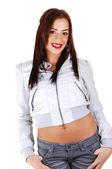 Menina com um casaco branco, sorrindo. — Foto Stock