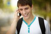 Adolescente en el teléfono — Foto de Stock