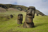Abandoned moai — Stock Photo
