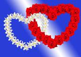 çiçekleri gelen iki kalp — Stok fotoğraf