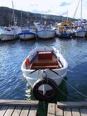 Rettungsring in fischerboot — Stockfoto