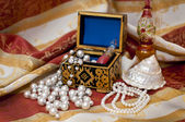 Pearls in the box — Stock Photo