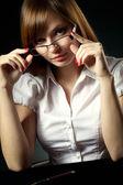 Lachende meisje praten op mobiele telefoon — Foto de Stock