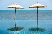 пляжный зонтики — Стоковое фото
