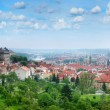 Beautiful panorama of red roofs of Prague's Old Town. - Stockfoto