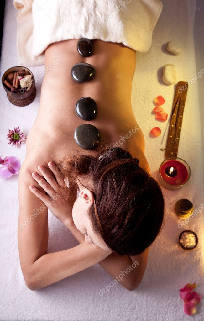 Young woman getting spa procedures. — Foto de Stock   #5006321