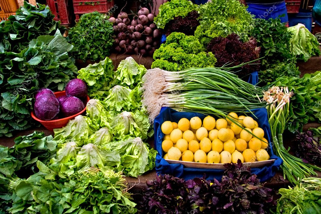 Fresh Organic Lemon, Parsley, Basil, Lettuce, Onion, Cress, Mint, Chard, Purple Cabbage and Radish At A Street Market In Istanbul, Turkey. — Stock Photo #4177718