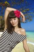 Young beautiful girl ashore sea — Stock Photo