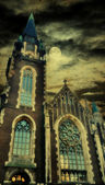 Grunge oude kathedraal toren — Stockfoto