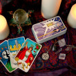 Tarot cards and candles - Stockfoto
