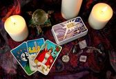 Tarot cards and candles — Stock Photo