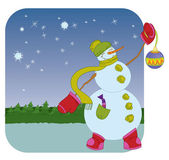 Snowman with Christmas ball on winter background — Stock Vector