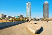 пляж барселонета и олимпийской деревне в барселоне, испания — Стоковое фото