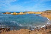 вид на пляж кала pregonda в менорка, балеарские острова, испания — Стоковое фото