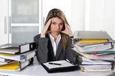 Mujer con exceso de trabajo — Foto de Stock