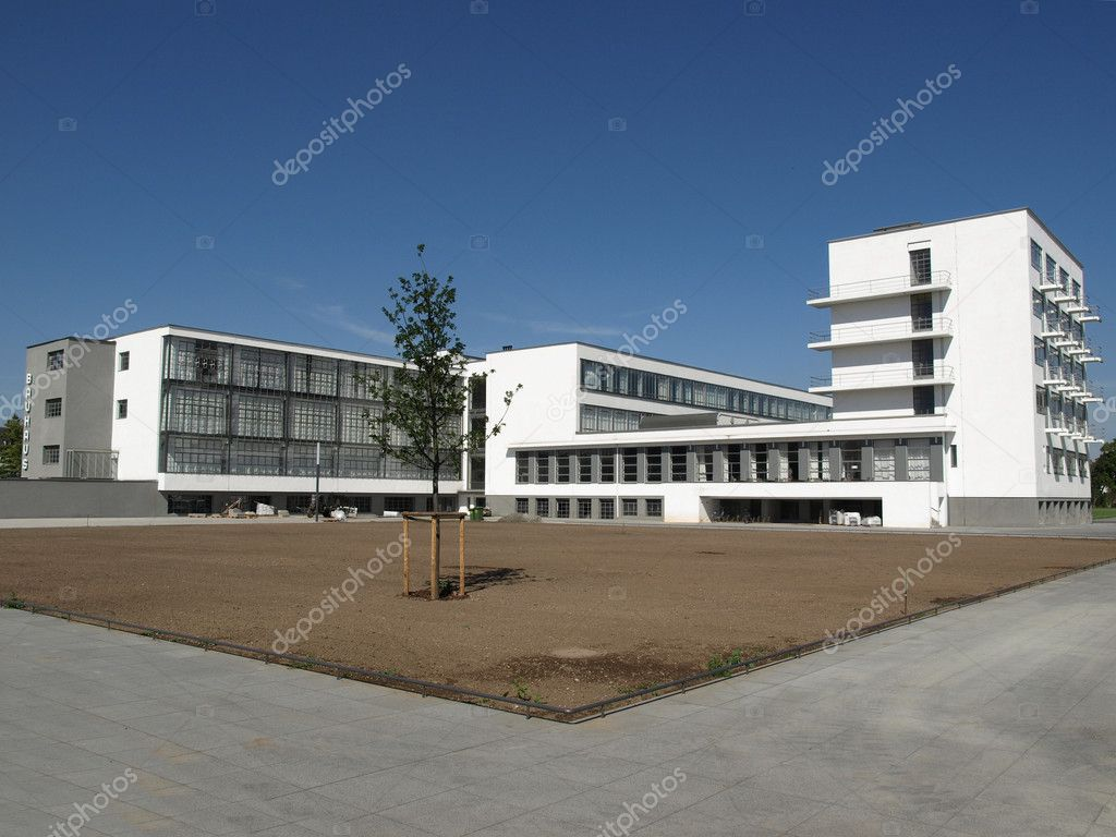 Bauhaus dessau stock photo claudiodivizia 3941253 for Architecture bauhaus