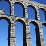 The famous Roman Aqueduct in Segovia in Spain. — Stock Photo
