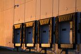 Luce dorata sul magazzino — Foto Stock