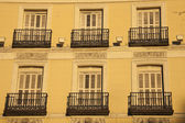 Windows of historic building in Madrid — Stock Photo