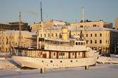 Ship in downtown Helsinki — Photo