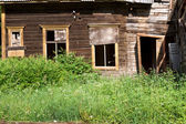 Old abandoned wooden house — Stock Photo